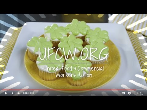 Decorate Your Own Shamrock Cupcakes For St. Patrick's Day (30 secs)