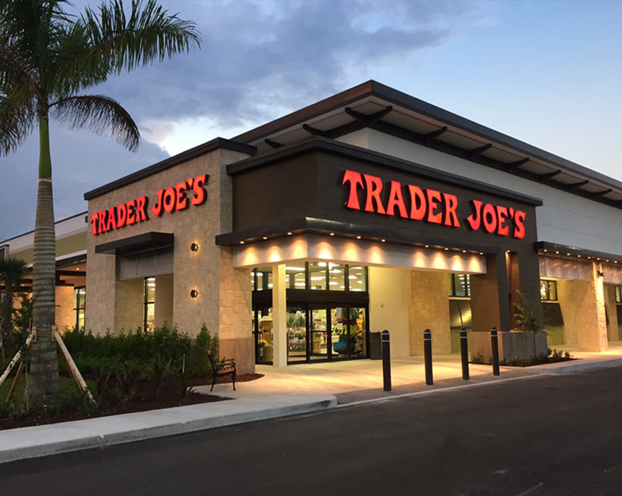 Trader Joe's is killing grocery delivery program even as Walmart, Whole Foods and Kroger spend billions to win the online grocery wars